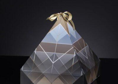 Pirma-piramide-puslapiui-640x1024
